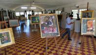 Hay lienzos de Carmelo Arzadun, Enrique Castells Capurro, Carlos Paéz Vilaró y del español Fernando Díaz Mackenna. Foto: R. Figueredo