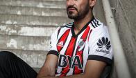 Rodrigo Mora con la nueva camiseta de River.