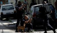 Enfrentamientos entre policía y delincuentes en las favelas son comunes. Foto: Reuters