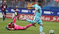Luis Suárez en el partido de Barcelona frente a Eibar. Foto: EFE.