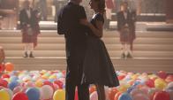 Daniel Day-Lewis y Vickie Krieps