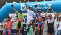 Matías Presa en lo más alto del podio de Rutas de América. Foto: Francisco Flores