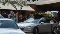Ayer se llevó a cabo el sepelio de Florencia Cabrera, la joven asesinada durante un robo a un supermercado. Foto: F. Flores