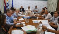 Mesa de trabajo: los productores dicen que las medidas son demasiado parciales. Foto: A. Colmegna