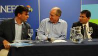 Firma: Murro, Pereyra y el titular de CUTI, Leonardo Loureiro. Foto: Presidencia