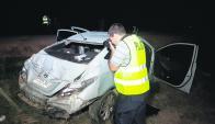 A 5 km de Aceguá: así quedó el vehículo volcado en la Ruta 8. Foto: N. Araújo