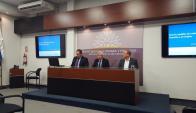 Astori y el equipo económico en conferencia de prensa. Foto: Mayte De León