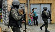 militares en la vida cotidiana de Río de Janeiro. Foto: AFP.