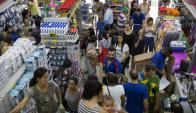 El consumo de las familias brasileñas aumentó 1% en el último año. Foto: EFE