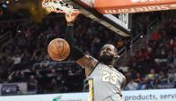 LeBron James hizo la jugada del año