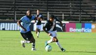 Paulo Lima y David Terans en el Wanderers vs. Danubio. Foto: Francisco Flores