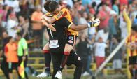 Los jugadores de Progreso festejando el triunfo ante Nacional. Foto: Francisco Flores