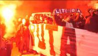 Ultras del PSG arremetieron quisieron impedir el descanso de los jugadores del Madrid