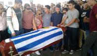 Sepelio de Fernando Farinha, el policía asesinado mientras custodiaba a Olga Costa. Foto: Luis Pérez.