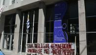 Ocupan edificio del Consejo de Educación. Foto: Ariel Comegna
