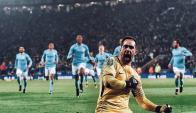 Claudio Bravo celebrando con el Manchester City