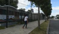 Escuelas y servicios oficiales cerraron sus puertas ayer en Casavalle. Foto: Francisco Flores