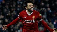 Mohamed Salah festeja uno de sus goles en la victoria del Liverpool. Foto: Reuters