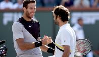 Juan Martín del Potro y Roger Federer. Foto: AFP.