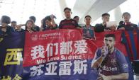 La locura de los chinos con la llegada de Luis Suárez. Foto: @Lola_RF20