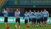 La selección uruguaya trabajando en el estadio de Nanning