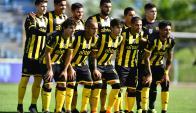 Cerro y Peñarol se enfrentaron en el Tróccoli. Fotos: Gerardo Pérez / El País