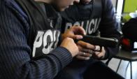 Formación: los policías reciben una capacitación básica que, según la ley, debería durar seis meses. Foto: archivo El País
