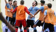 Uruguay le ganó a Brasil en el Sudamericano Sub18 de Futsal. Fotos: Conmebol