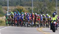 La primera etapa de la edición 75 de la Vuelta Ciclista del Uruguay. Foto: Ricardo Figueredo.