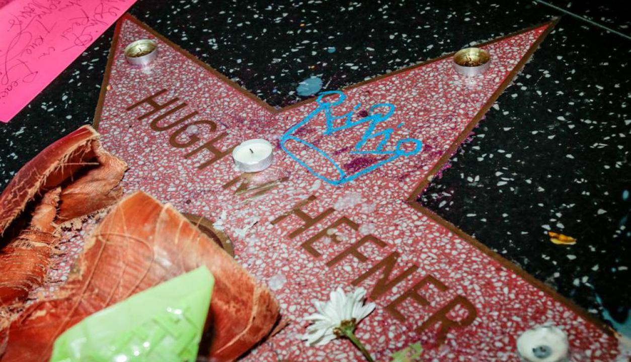 La estrella de la fama en California recibió flores esta mañana. Foto: Reuters