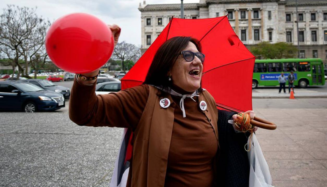 Los cincuentones se manifestaron frente al Anexo. Foto: Fernando Ponzetto