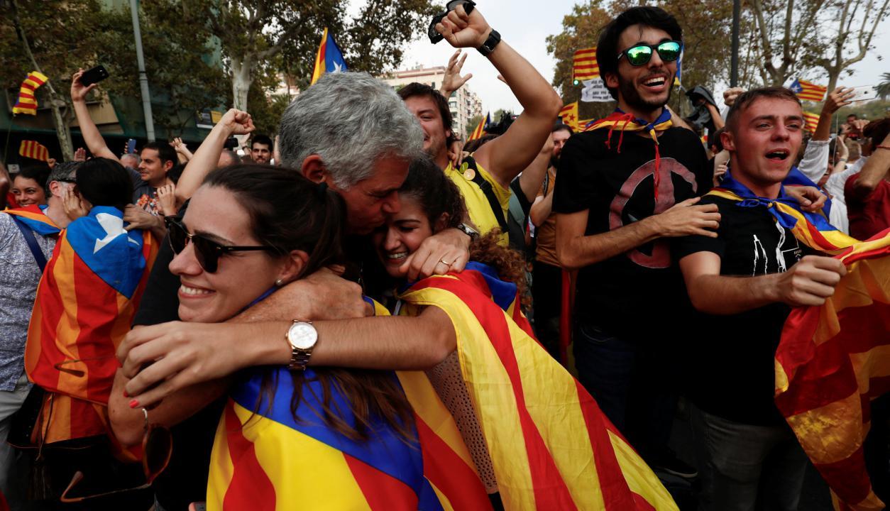Las calles se llenaron de catalanes. Foto: Reuters