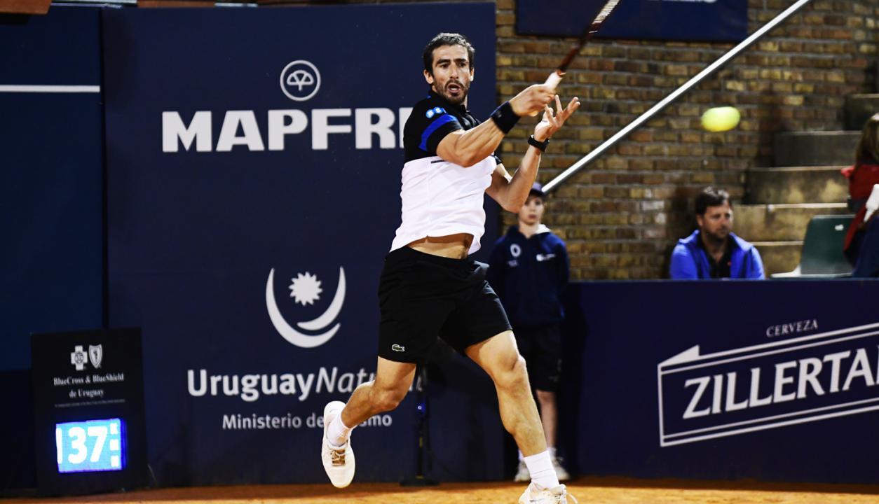 Pablo Cuevas en el torneo Uruguay Open esta semana. Foto: Marcelo Bonjour