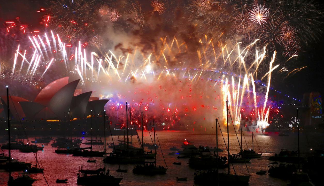 Fuegos artificiales en la Opera de Sidney. Foto: Reuters