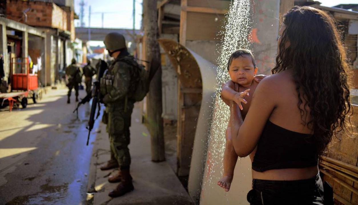 Jacarezinho, una favela al norte de esta ciudad, es una de las intervenidas. Foto: AFP