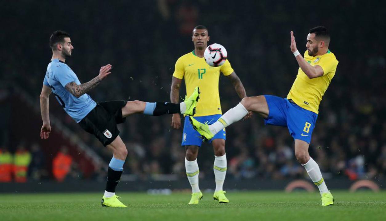 Las mejores imágenes del duelo entre Uruguay y Brasil en Londres. Foto: Reuters
