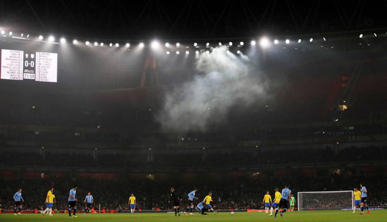 Las mejores imágenes del duelo entre Uruguay y Brasil en Londres. Foto: Reuters.