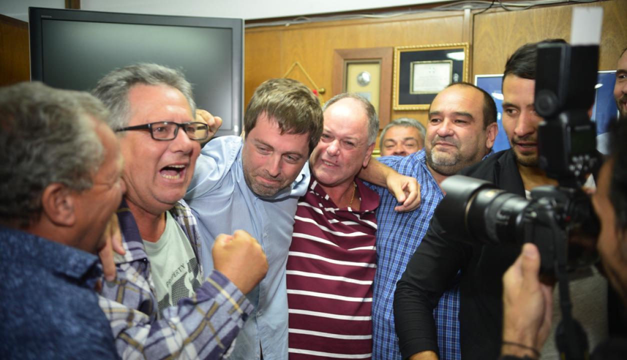 El triunfo de Ignacio Alonso en la Asociación Uruguaya de Fútbol. Foto: Gerardo Pérez.