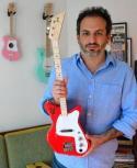Rafael Atijas, CEO de Loog Guitars