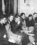 Mesa que presidió la asamblea que votó la huelga de 1948.