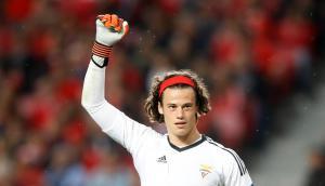 Mile Svilar batió el récord de Iker Casillas. Foto: Carl Recine / Reuters.