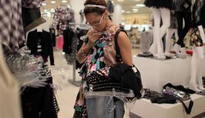 Consumo: el cliente está cambiando la forma en cómo adquiere bienes. Foto: AFP