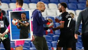 Guardiola se quiso quedar con la pelota del hat-trick de Sterling. Fotos: EFE