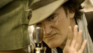 Quentin Tarantino dirigiendo un western. Foto: Archivo El País