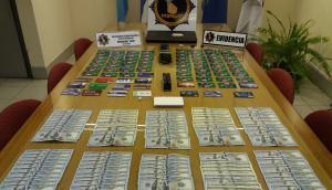 Se incautaron tarjetas y dinero. Foto: El País