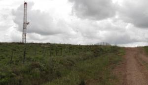 Pozo de petróleo en Paysandú. Foto: Mateo Vázquez