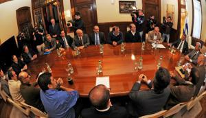 Acuerdo marco que se firmó no contenía disposiciones sobre ocupaciones y piquetes. Foto: Presidencia