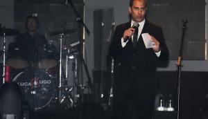 César Bianchi como presentador en el show de Lucas Sugo. Foto: Gonzalo Cabrera