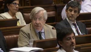 Astori explicó ante el Parlamento los cambios al BROU. Foto: Francisco Flores