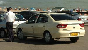 Taxistas critican la incursión de las aplicaciones en Maldonado para este verano. Foto: D. Borrelli